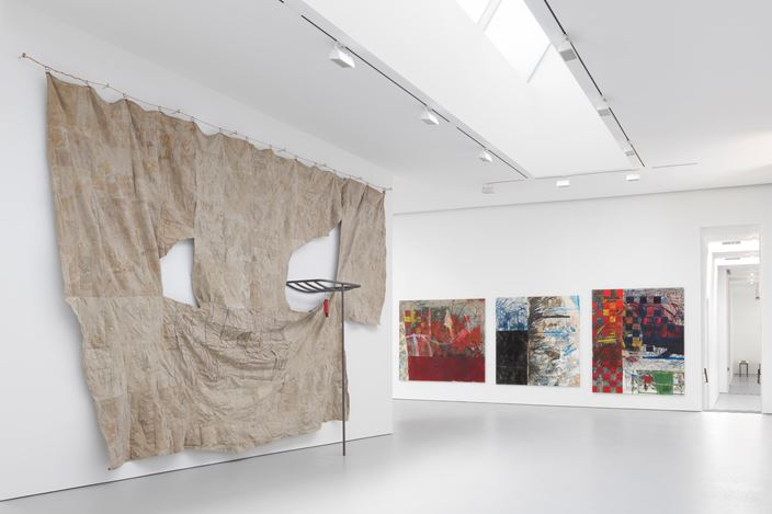 Exhibition view: Oscar Murillo, through patches of corn, wheat and mud,David Zwirner, 19th Street, New York (14 September–22 October 2016). Courtesy David Zwirner.