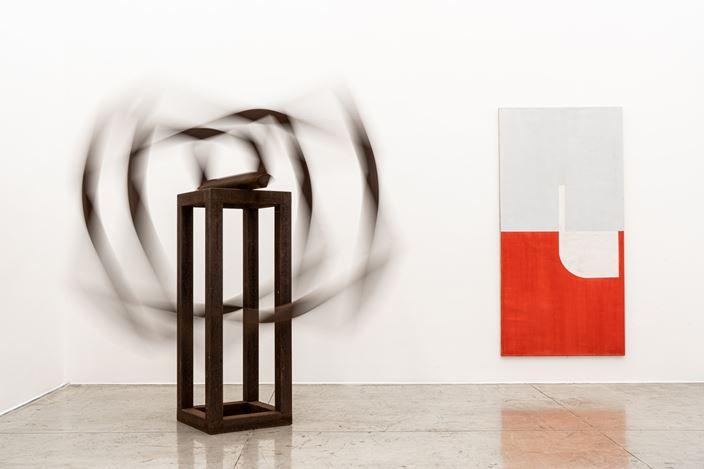 Exhibition views: Group Exhibition, Estruturas Encontradas, Galeria Nara Roesler, São Paulo (2 December 2019–15 February 2020). Courtesy Galeria Nara Roesler. Photo: Erika Mayumi.