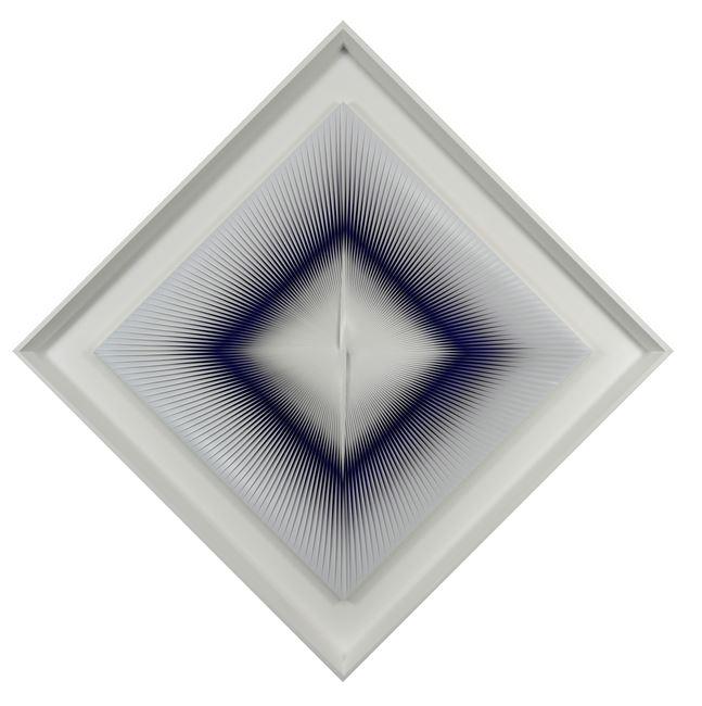 Guarda il blu con la coda dell'occhio by Alberto Biasi contemporary artwork