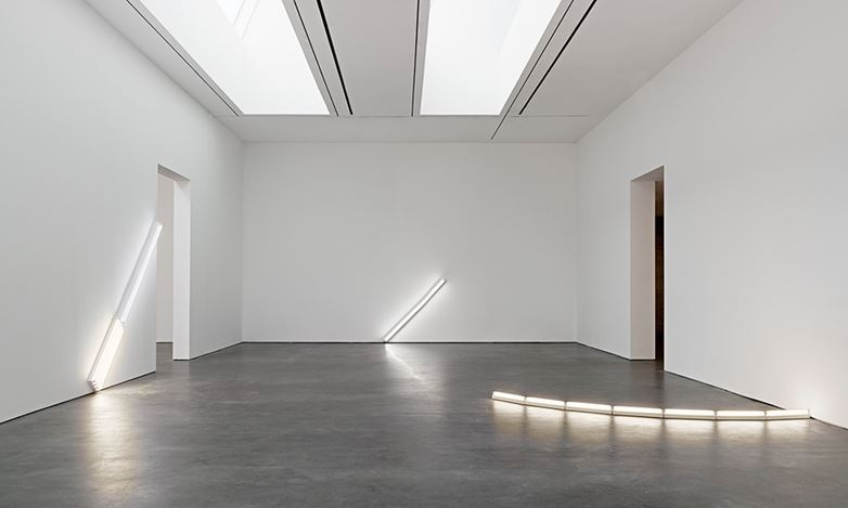 Exhibition view: Dan Flavin, in daylight or cool white, David Zwirner, 20th Street, New York (21 February–14 April 2018). Courtesy David Zwirner.