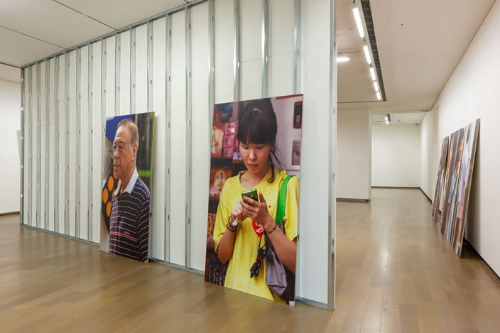 Exhibition view: Michael Lin and Beat Streuli, One Plus One 壹加壹, Eslite Gallery, Taipei (3–25 November 2018). Courtesy Eslite Gallery.