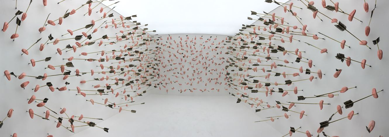 Li Binyuan, Rumor (2019). Installation. Ceramic, Cast Iron feather. Dimensions variable. © Li Binyuan and Rén Space.