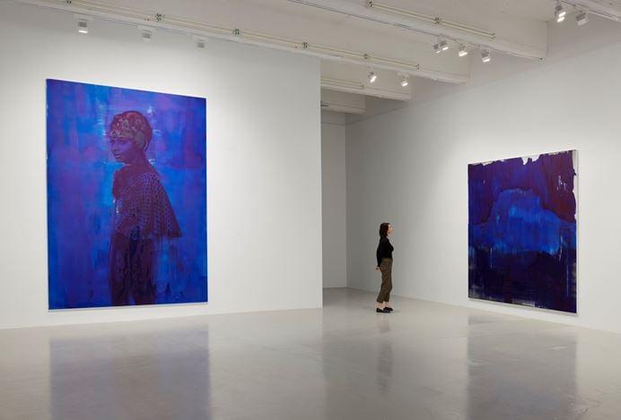 Exhibition view: Lorna Simpson, Darkening, Hauser & Wirth, 22nd Street, New York (25 April–26 July 2019). © Lorna Simpson. Courtesy the artist and Hauser & Wirth.