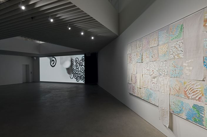 Exhibition view: Liza Lou, The River and the Raft, Lehmann Maupin & Songwon Art Center, Seoul (26 September–9 November 2019). Courtesy the artist and Lehmann Maupin, New York, Hong Kong, and Seoul.