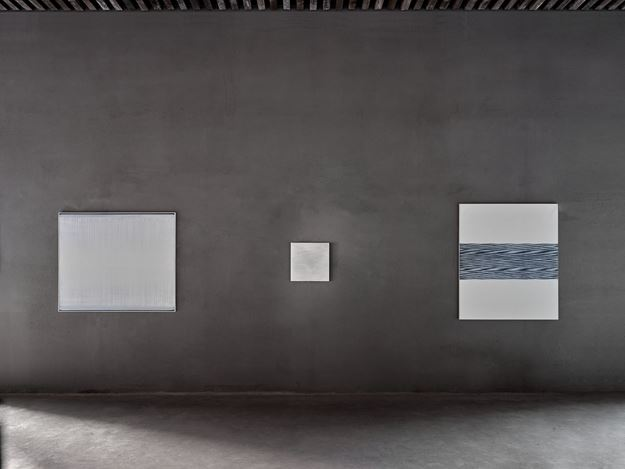 Exhibition view: Jef Verheyen, Jef Verheyen 1955–1962, Axel Vervoordt Gallery, Antwerp (27 February–1 May 2021). Courtesy Axel Vervoordt Gallery.