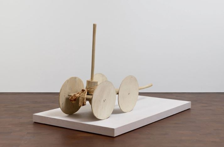 Cy Twombly, Chariot of Triumph (1990–1998). Wood, paint, cloth, and nails. 108 x 53 x 189 cm. © Cy Twombly Foundation. Courtesy Gagosian.