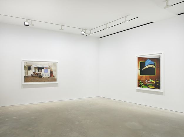 Exhibition view:William Eggleston, David Zwirner, Hong Kong (10 September–17 October 2020). Courtesy David Zwirner.