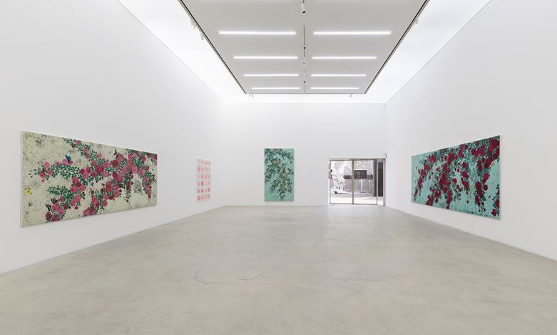 Exhibition view: Sungsic Moon, Beautiful. Strange. Dirty., Kukje Gallery, Seoul (28 November–19 January 2020). Courtesy Kukje Gallery.