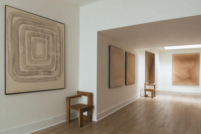 Exhibition view: Leonardo Anker Vandal and Leonardo Brinati, Under a Dome,Cadogan Contemporary, London (1–18 September 2021). CourtesyCadogan Contemporary.