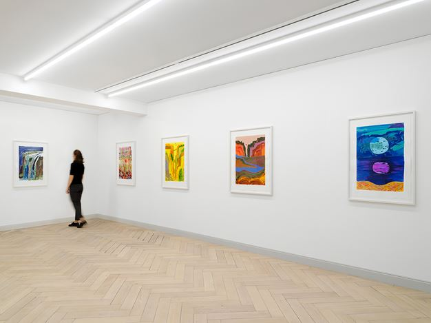 Exhibition view: Shara Hughes, Day By Day By Day, Galerie Eva Presenhuber, Rämistrasse, Zurich (2 June–19 September 2020). © Shara Hughes. Courtesy the artist and Galerie Eva Presenhuber, Zurich / New York. Photo: Stefan Altenburger Photography, Zurich.