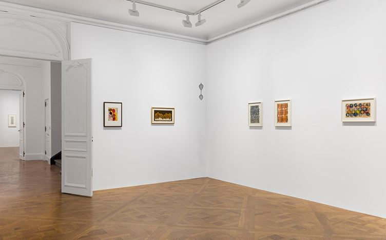 Exhibition view: Josef Albers, Anni Albers, Ruth Asawa, and Ray Johnson, Josef and Anni and Ruth and Ray, David Zwirner, 69th Street, New York (20 September–21 October 2017). Courtesy David Zwirner, New York.