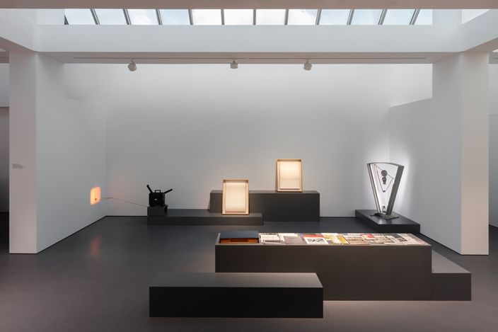 Exhibition view: Rosa Barba, Fixed in Fleeting: Performative Objects and Tape Journals,Esther Schipper, Berlin (3 July–28 August 2021).Courtesy the artist and Esther Schipper, Berlin. Photo: Andrea Rossetti