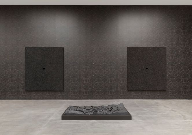 Exhibition view: Damien Hirst, Relics and Fly Paintings, Gagosian, Britannia Street, London (starting 5 June 2021). © Damien Hirst and Science Ltd. All rights reserved, DACS 2021. Courtesy Gagosian. Photo: Prudence Cuming Associates Ltd.