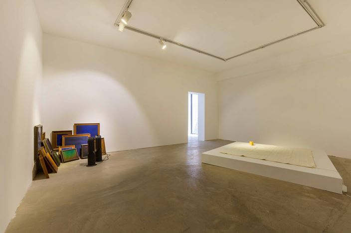 Exhibition view: Mak Ying Tung 2,Mr.Fool Wants to Move the Mountains, de Sarthe Gallery, Beijing (19 May–22 July 2018). Courtesy de Sarthe Gallery.