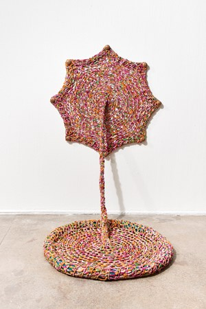Escutando a barriga da terra (Listening to the belly of the earth) by Ernesto Neto contemporary artwork