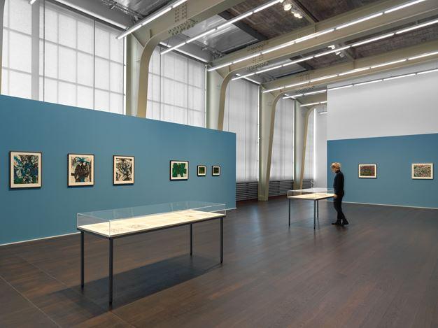Exhibition view: Luchita Hurtado, Just Down the Street, Hauser & Wirth, Zürich (11 May–31 July 2020). © Luchita Hurtado. Courtesy the artist and Hauser & Wirth