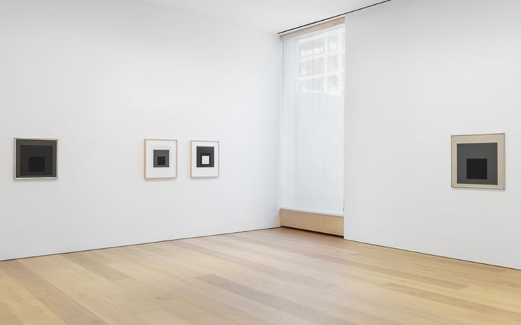 Exhibition view: Josef Albers, Grey Steps, Grey Scales, Grey Ladders, David Zwirner, 20th Street, New York (3 November–13 December 2016). © 2016 The Josef and Anni Albers Foundation/Artists Rights Society (ARS), New York. Courtesy David Zwirner.