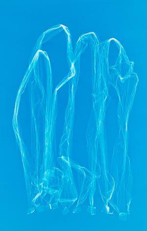 Kleine blaue Frauengruppe by Frank Mädler contemporary artwork