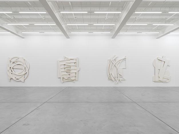 Exhibition view: Wyatt Kahn, Galerie Eva Presenhuber, Maag Areal, Zurich (15 January–13 March 2021).© Wyatt Kahn. Courtesy the artist and Galerie Eva Presenhuber, Zurich / New York.