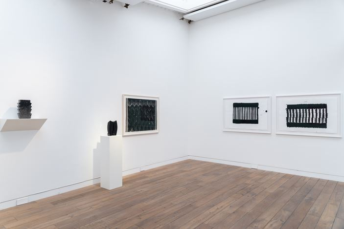 Exhibition view: Heinz Mack, Ink drawings and ceramics, Beck & Eggeling International Fine Art, Düsseldorf (4 February–8 May 2021). Courtesy Beck & Eggeling International Fine Art.