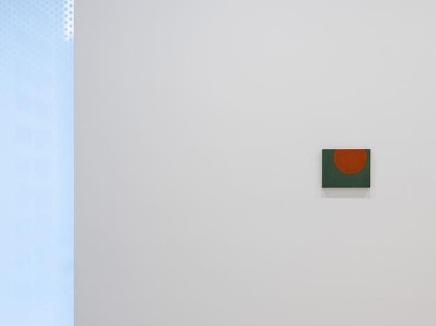 Exhibition view: Suzan Frecon,David Zwirner, Hong Kong (23 May–30 June 2018). Courtesy David Zwirner.