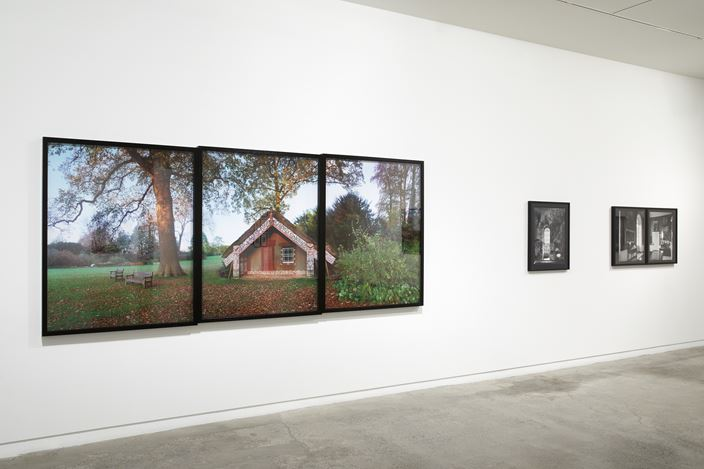 Exhibition view: Mark Adams,Hinemihi – Te Hokinga – The Return, Two Rooms, Auckland (24 July–29 August 2020). Courtesy Two Rooms.