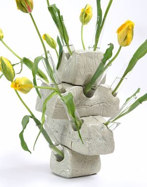 Tulip Vase by Guido Geelen contemporary artwork