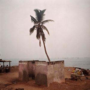Douche à Biriwa, Ghana by Denis Dailleux contemporary artwork photography