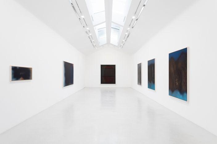 Exhibition view: Rothko — Hartung,A Multiform Friendship, Perrotin, Paris (12 June–31 July 2021). © Hartung / ADAGP, Paris 2021. Courtesy the artist and Hartung-Bergman Foundation. Photo: Claire Dorn.