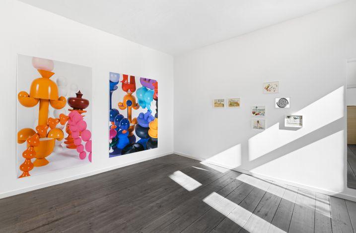 ENCORE!, Maja Behrmann, Birgit Brenner, Raul Walch, Installation view, 2021, Galerie EIGEN + ART Berlin, photo: Uwe Walter, Berlin, courtesy Galerie EIGEN + ART Leipzig/Berlin