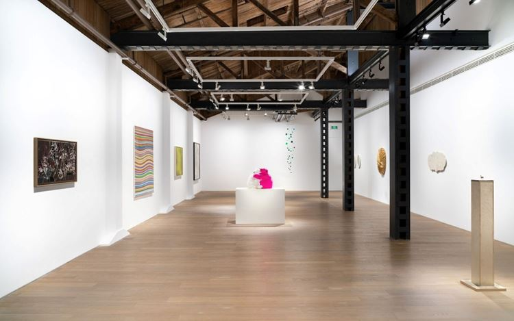 Exhibition view: Group Exhibition, Wonderland, Perrotin, Shanghai (30 April–30 June 2020). Courtesy the Artists and Perrotin. Photo: Mengqi Bao.