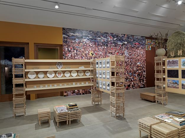 Exhibition view: Group Exhibition, The Land We Live In – The Land We Left Behind, Hauser & Wirth, Somerset (20 January–7 May 2018). Courtesy Hauser & Wirth. Photo: Ken Adlard.