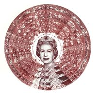 Gastric Icon III, Queen of England by Carlos Aires contemporary artwork sculpture