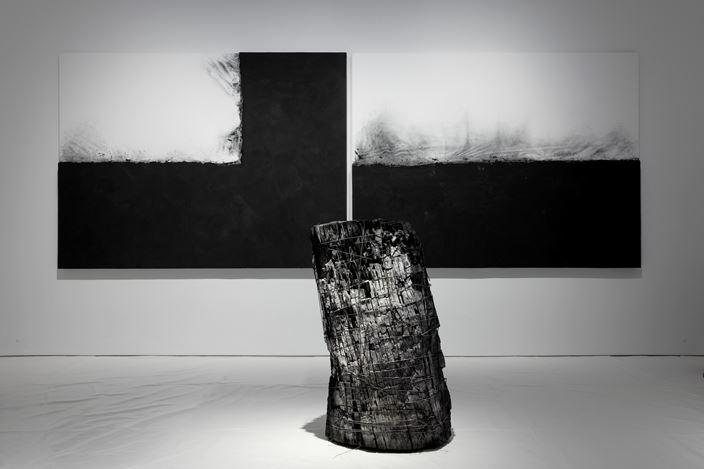 Exhibition view: Lee Bae, Promenade, Perrotin, New York (2 November 2019–1 February 2020). © Courtesy the artist and Perrotin. Photo: Guillaume Ziccarelli.