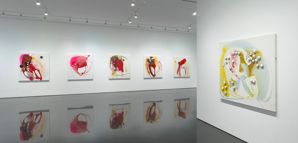 Exhibition view: Helen Marden, Bitter Light a Year, 980 Madison, Avenue, New York (6 April–8 May 2021). © Helen Marden. Courtesy Gagosian. Photo: Rob McKeever.