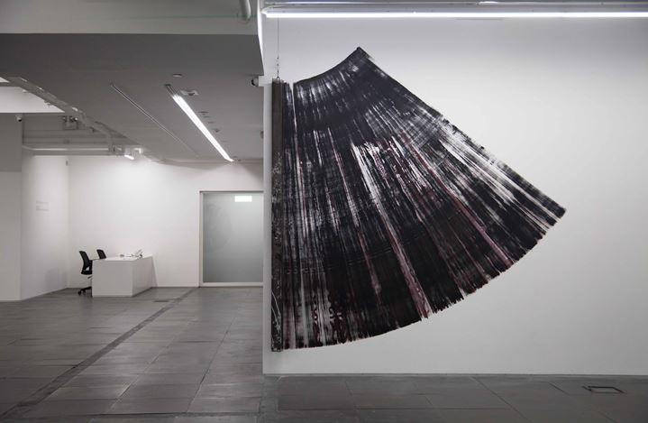Exhibition view: Bernar Venet, IN RELATION: PERFORMANCE / SCULPTURE / PAINTING, de Sarthe, Hong Kong (26 March–18 May, 2019). Courtesy de Sarthe.