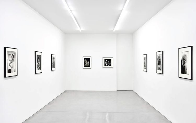 Exhibition view: Nan Goldin, The Other Side, Galerie Marian Goodman, Librairie, Paris (13 June–12 September 2020). Courtesy Galerie Marian Goodman.