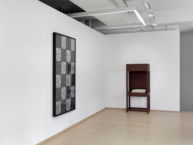 Exhibition view: Michal Rovner,Evolution, Pace Gallery, Geneva(30 January–18 April 2019). © Michal Rover. Courtesy Pace Gallery.