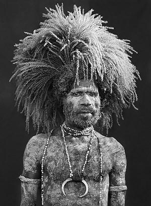 Performer of the singsing festival of Mount Hagen, Western Highlands Province, Papua New Guinea by Sebastião Salgado contemporary artwork