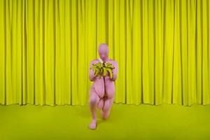 Eu ajoelho e você reza by Berna Reale contemporary artwork