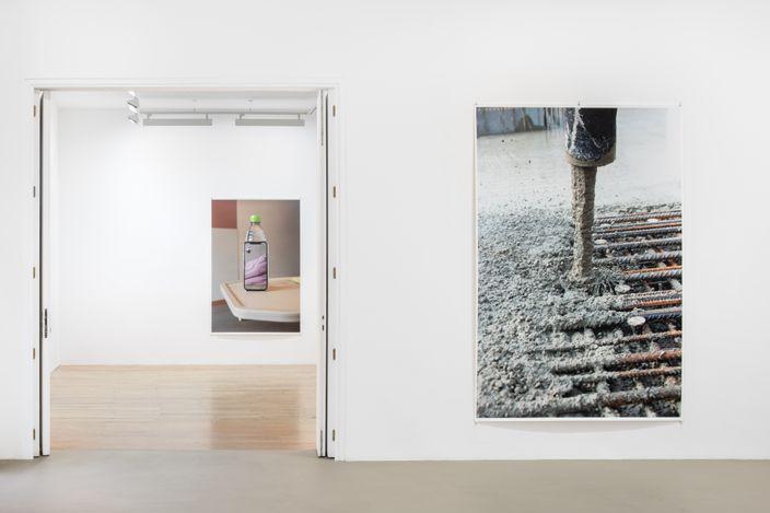 Exhibition view: Wolfgang Tillmans,Lumière du matin, Galerie Chantal Crousel, Paris (6 May–12 June 2021). Courtesy the artist and Galerie Chantal Crousel, Paris. Photo: Martin Argyroglo.