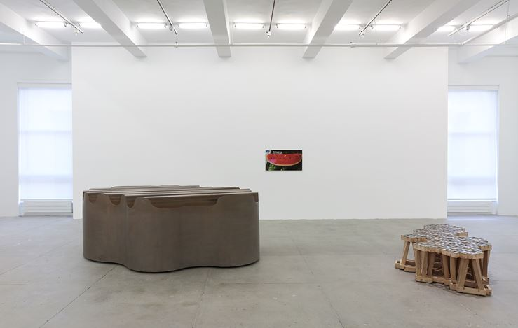 Exhibition view: Richard Deacon, House and Garden, Marian Goodman Gallery, New York (9 January–16 February 2019). Courtesy the artist and Marian Goodman Gallery.