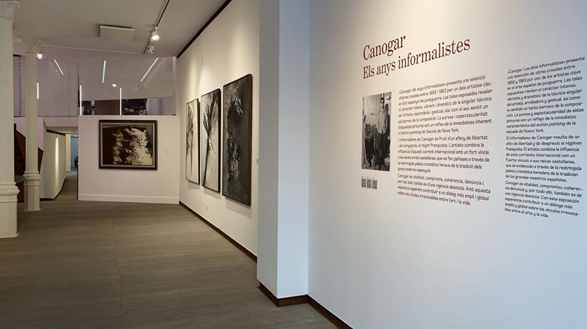 Exhibition view: Rafael Canogar, Rafael Canogar: The Informalist Years, Galeria Mayoral, Barcelona (4 February–29 March 2021). Courtesy Galeria Mayoral.