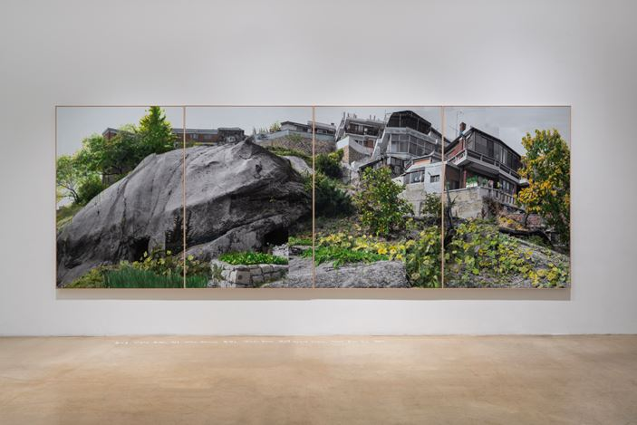 Honggoo Kang, Study of Green-Seoul-Vacant Lot-Changshin-dong 4 (2019). Pigment print and acrylic on canvas. 200 x 560 cm. Courtesy ONE AND J. Gallery.