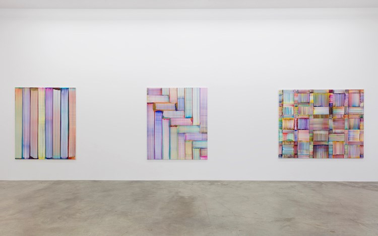 Exhibition view: Bernard Frize, Now or Never, Perrotin, Paris (18 May–14 August). © Bernard Frize / ADAGP. Courtesy the artist & Perrotin. Photo: Claire Dorn.