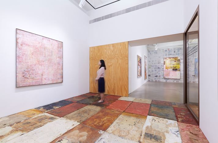Exhibition view:Mandy El-Sayegh, Dispersal, Lehmann Maupin, Hong Kong (11 July–23 August 2019). Courtesy the artist and Lehmann Maupin, New York, Hong Kong, and Seoul. Photo: Owen Wong.