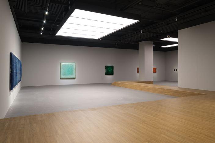 Exhibition view: Su Xiaobai, Beneath a descending moon, breathing 一池光井, Tina Keng Gallery, Taipei (7 December 2019–22 January 2020).Courtesy Tina Keng Gallery.