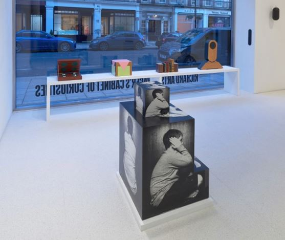 Exhibition view:Richard Artschwager, Live In Your Head. Richard Artschwager's Cabinet of Curiosities, Gagosian, Davies Street, London (17 January–7 March 2020). Artwork © 2020Richard Artschwager / Artists Rights Society (ARS), New York. Courtesy Gagosian. Photo: Prudence Cuming Associates.