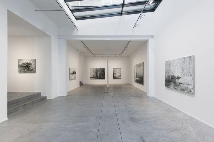 Exhibiton view Philippe Cognée - L'oeil du cyclone © Courtesy Templon, Paris - Brussels. Photo, Isabelle Arthuis.