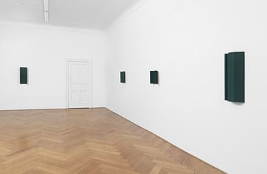 Exhibition view: Florian Pumhösl, Galerie Buchholz, Berlin (8 June–28 July 2018). Courtesy Galerie Buchholz.
